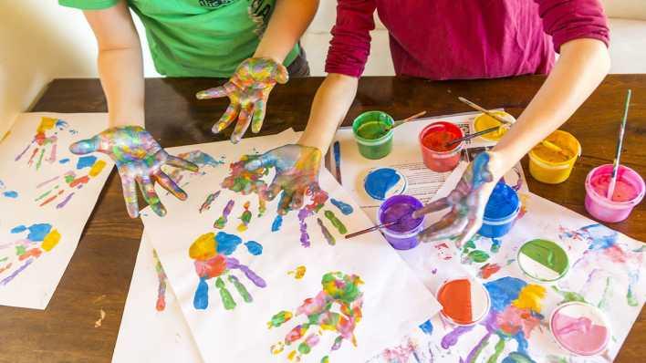 Fingerfarbe Weihnachten.Familienformen Im überblick Zahlen Und Hintergründe Inforadio